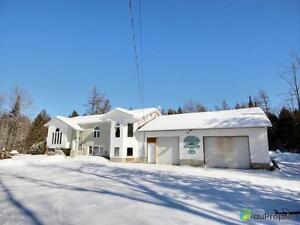 224 000$ - Maison à paliers multiples à vendre à Blue Sea
