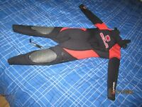 kids wetsuit sola samurai size QXS(3 to 5 years)