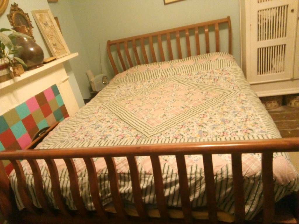 King Size Vintage.Urgent King Size Vintage Wooden Bed In Seven Sisters London Gumtree