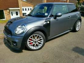 MINI JOHN COOPER WORKS TURBO 220 BHP