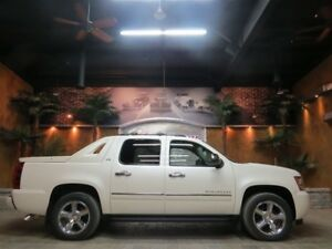 2012 Chevrolet Avalanche 1500 LTZ - Nav, 20 Chromes, Roof!