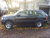 Black Frontera 2.2 Petrol Manual. Excellent condition for year 1999.New tow bar never been used.