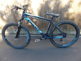 GIANT TALON 2, HARDTAIL MOUNTAIN BIKE 2017, FRAME SIZE LARGE, 27.5 inch WHEELS, (Location: Frome)