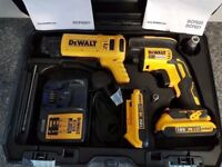 DeWALT DCF620D2K 18V LI-ION XR BRUSHLESS screwgun+autofeed + 2x2 ah batteries + charger,,,,,,makita
