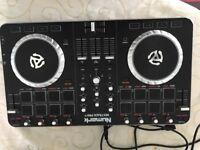 Newmark pro 2 music decks