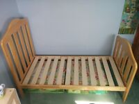 Mamas & Papas Cot Bed - Height adjustable cot that converts into a toddler bed. Excellent condition