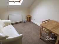 1 Bedroom Flat In Harringay, London, N4, Great Location, 5 Min Walk to Station, Separate Kitchen