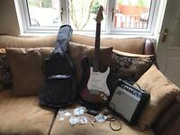 Electric guitar been used twice,,great for beginners