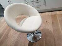 Retro chair swivels