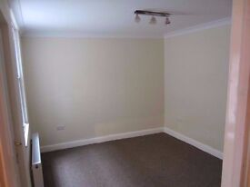 Large Double Room Addlestone Highstreet Fully furnished. Bills inc