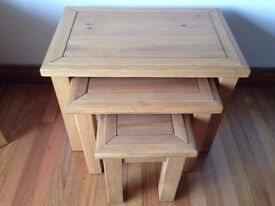 sOLID OAK NEST OF TABLES BELFAST NEWCASTLE IMMACULATE CAN DELIVER IF REQUIRED