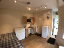 Beautiful studio flat to rent - 3 minutes away from Uni