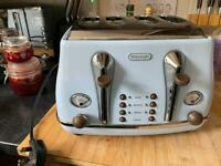 Delonghi kitchen appliances - kettle, coffee machine and toaster