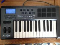 M-AUDIO Axiom 25 in good condition for sale £45