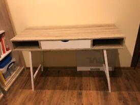 Stylish desk in oak/white