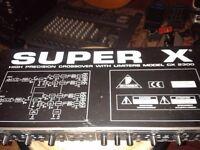Crossover Sterio. Behringer Super X. CX 2300
