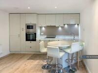 1 bedroom flat in Sopra House, London, SW6 (1 bed) (#1035284)