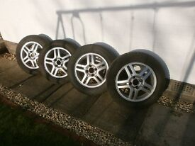 """4 Ford focus 15"""" alloy wheels and winter tyres"""