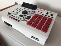 AKAI MPC 2000XL Custom white paint, red pads, black buttons, maxed ram, cf card.