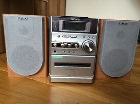 Sony mini HiFi with cd, tape, radio and mini disc players