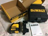 DeWalt DW088K cross Line Laser level Pulse Mode self levelling spirit level