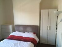 DOUBLE ROOM F/F IN WAVERTREE L15 £320pm ALL BILLS + WIFI INCLUDED! NO DEPOSIT!!