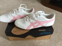 Asics Size 4 Ladies Trainers in Very Good Condition - Only Worn a Couple of Times