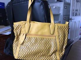 Mustard shoulder bag