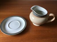 Denby Luxor Tableware – Gravy/Sauce Boat and Stand