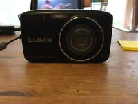 Panasonic LUMIX Camera (DMC-S2)