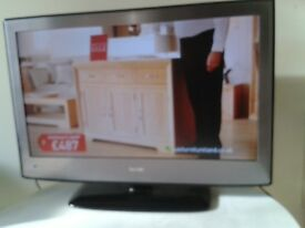 Smart TV with DVD, Freeview and remote