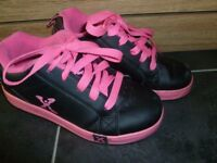 Girls Sidewalk skate shoe size 1