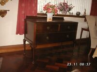 Sideboard / chest of drawers, antique mahogony, cabriole legs