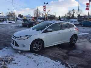 2014 FORD FOCUS SE- HEATED LEATHER SEATS, CRUISE CONTROL, SUNROO