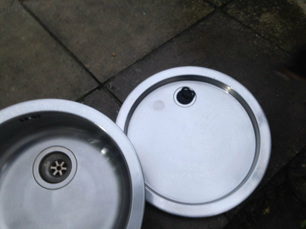 Stainless steel round sink and drainer