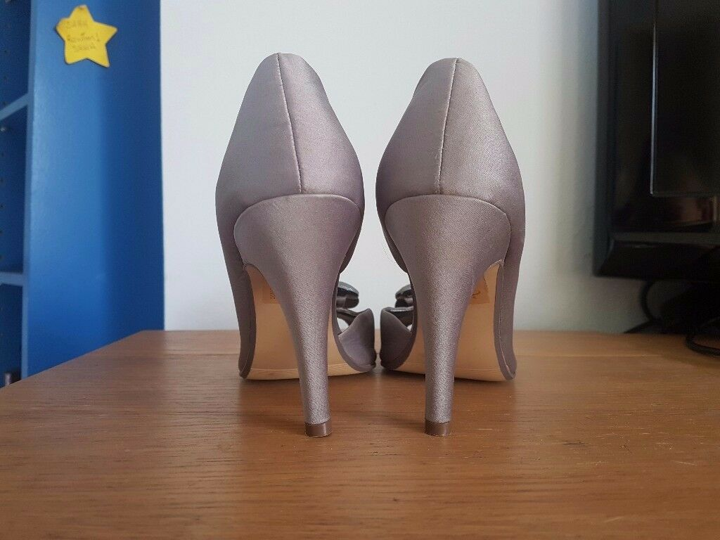 Womens Size 3 Brand New Heels