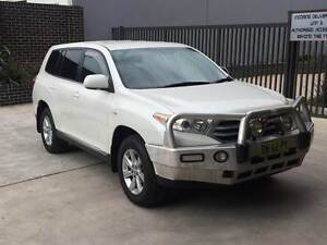 2011 TOYOTA KLUGER KXR AWD ,1 OWNER, LOG BOOKS,5 SEATER Westmead Parramatta Area Preview