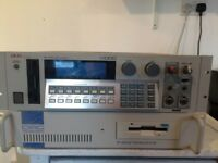 Akai S1000 Sampler with Optical Disc Unit