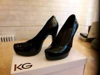 Black patient leather shoes