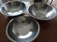 Set of 3 stainless steel bowls