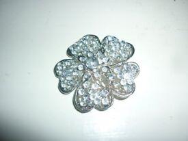 Flower shaped brooch