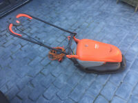 FLYMO Hover Compat 30 mower with grass collection box