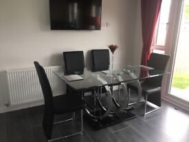 Stunning Large Glass Dining Table x6 Seats