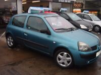 RENAULT CLIO DYNAMIQUE,68000 MILES,LADY OWNER BARGAIN CHEAP ON INSURANCE
