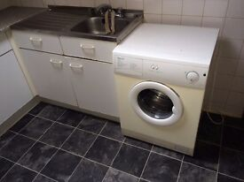 Fully furnished 1 bedroom flat in prime city centre BD1 location.