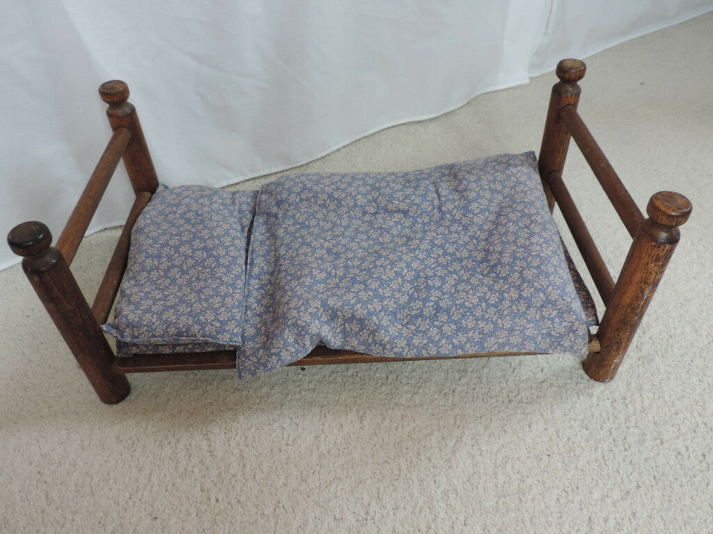 Vintage 1970's Sasha Doll Wooden Bed with Bedding