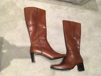 **NEW** Sally O'Hara boots size 5