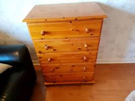 Chest of drawers in Solid Pine