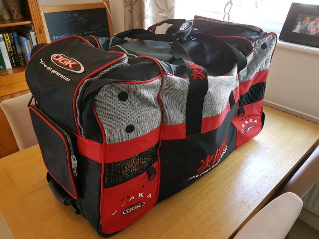 OGK motorcycle pull along holdall / travel case