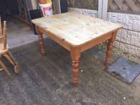 Solid wood pine table plus 4 Solid wood pine fiddle back chairs